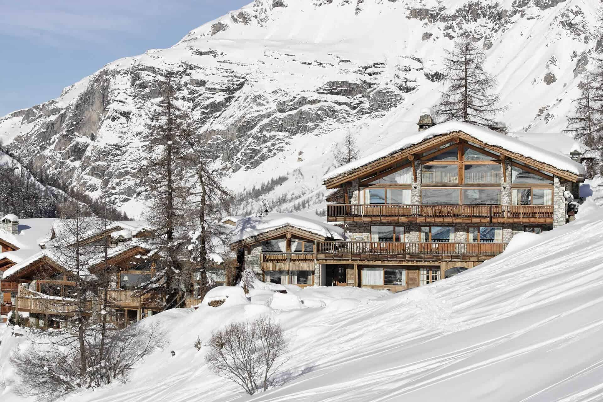 YOUR LUXURY SKI CHALET AWAITS